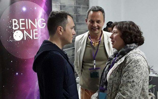 Sergi Torres, Rocío Ledesma y Joaquín G Weil. Foto cortesía de Yoga Sala Málaga.