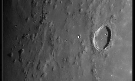 Descubren una misteriosa caverna en la luna