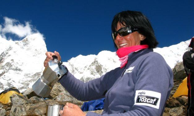 Rosa Fernández Rubio corona el Kangchenjunga