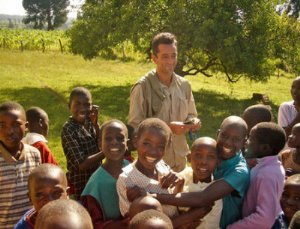 El Doctor Pedro Cavadas en Kenia