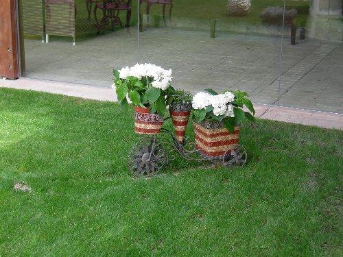 El Palacio de Huérmeces en Burgos: decoración del jardín