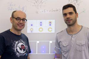 Álvaro Sánchez y Carles Navau dos de los inventores del Anti-imán de la UAB