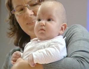 Operan con éxito en España a un bebé con espina bífida