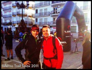 Víctor y David de Cuentamealgobueno en la salida de la Inferno Trail