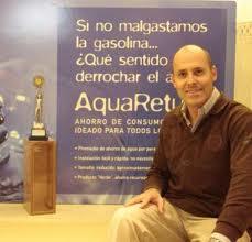 Un empresario alicantino inventa un dispositivo para ahorrar un gran volumen de agua en casa