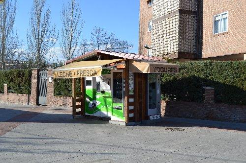 Puesto de leche fresca MIVACA en Collado Villalba Madrid