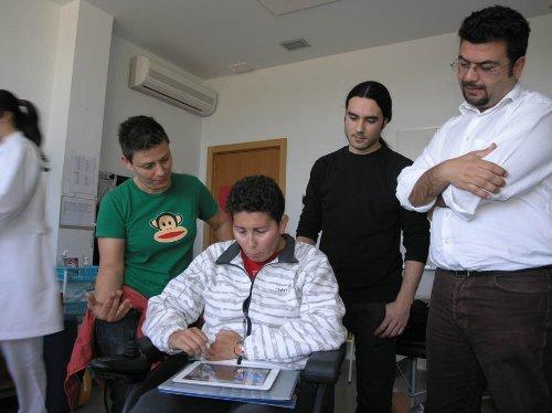 Investigadores Andaluces crean un dispositivo que facilita la comunicación de pacientes con Síndrome de Cautiverio