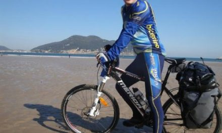 Luchando contra el cáncer a golpe de pedal