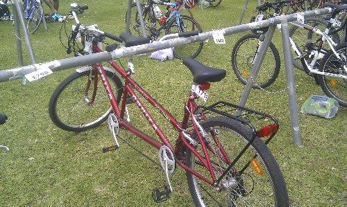 Triatlon Sevilla 2012 - Bicicleta tándem para un participante ciego