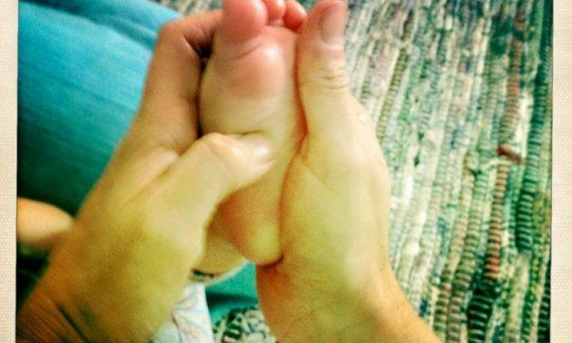 ¿Un jarabe o medicina para tu bebé? Mejor un masaje en los pies