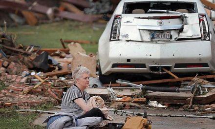 Conmovedor rescate de mascotas tras los tornados de Oklahoma