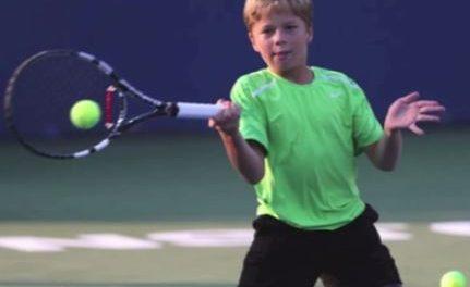 Conner Stroud el joven tenista de 12 años sin piernas