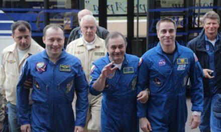 """Los tres astronautas que regresaron a la Tierra """"a ciegas"""""""
