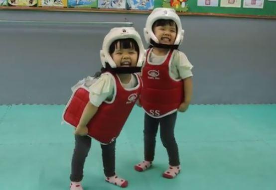 Una pelea de Taekwondo muy divertida