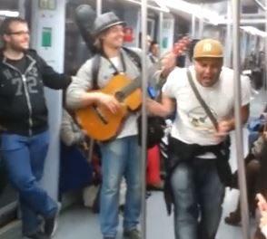 Un original viaje en metro