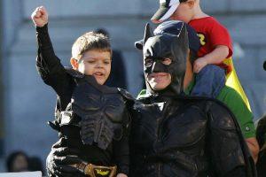 Batkid triunfa junto a Batman