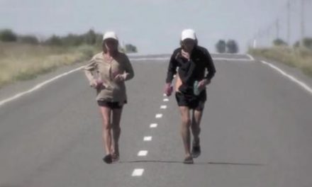 Mujer 64 años supera cáncer y corre 365 maratones en un año