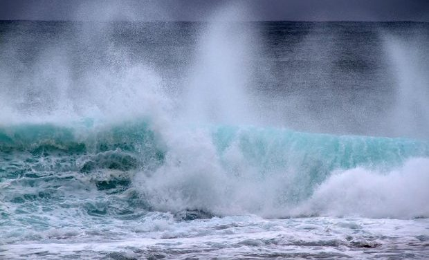 Un dispositivo generará 100 kW de potencia a partir de las olas del mar