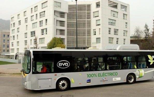 Inauguran recorrido del primer autobus eléctrico de Chile