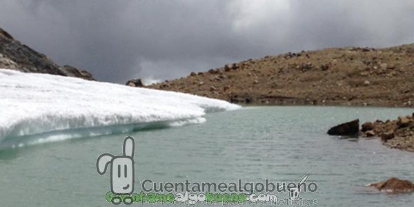 Una laguna a 4.900 metros de altura