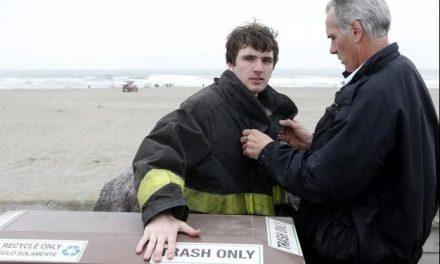 Joven surfista le salva la vida a dos personas