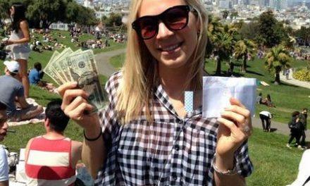 Un misterioso millonario deja sobres llenos de dinero en efectivo en San Francisco
