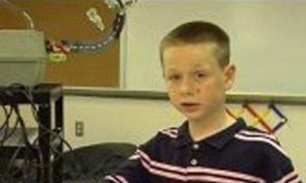 Un niño de nueve años le salva la vida a una profesora que se desamayó