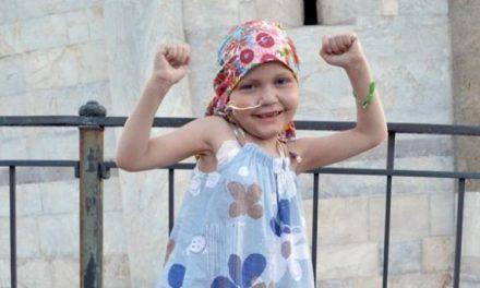 La niña que venció un cáncer cerebral terminal y se convirtió en la primera persona en superarlo