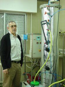 El investigador del Grupo de Tecnología Ambiental Francisco Fernández-Polanco. Foto: SINC.