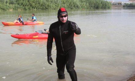 Nadando de Córdoba a Sanlúcar de Barrameda por una causa solidaria