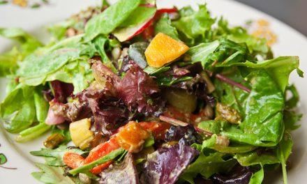 Los beneficios de la dieta mediterránea con aceite de oliva y frutos secos