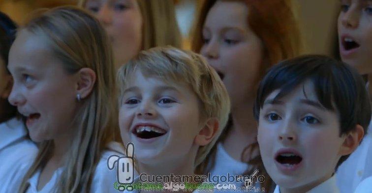 Flash Mob de música clásica protagonizado por niños prodigio en París
