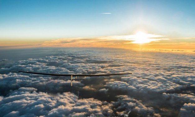El avión Solar Impulse2 dará la vuelta al mundo con energía solar