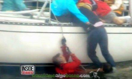 El capitán de un taxi-barco rescata a tres hombres que se ahogaban