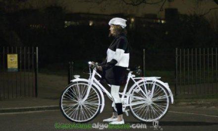 Crean un Spray Reflectante para ciclistas que podría salvar cientos de vidas