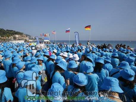 Empresario multimillonario chino invita a sus 6.400 empleados a vacaciones todo incluido en Francia
