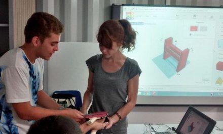 Jóvenes con autismo se forman en impresión 3D y crean piezas para ayudar a discapacitados