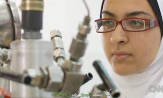 Joven egipcia descubre como convertir plástico en biofuel