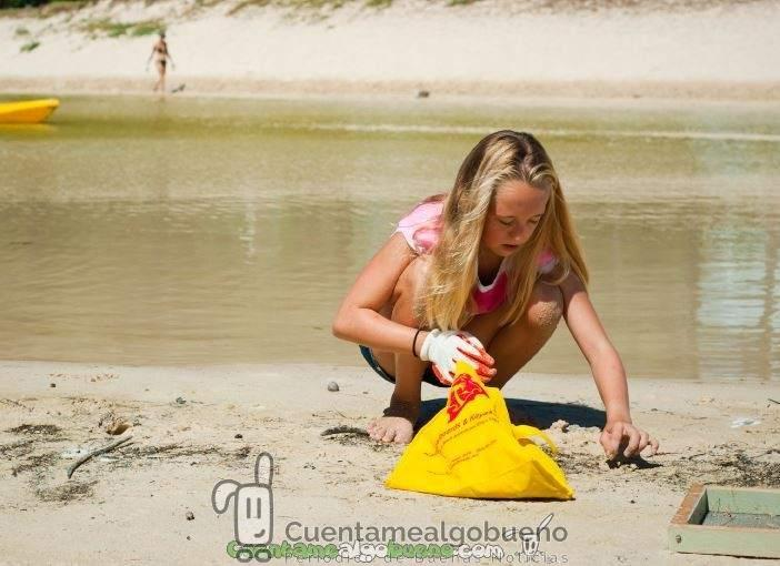 Voluntarios por unas playas más limpias