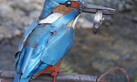Chatarra transformada en delicadas esculturas de animales