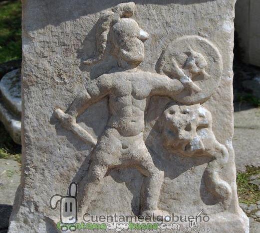 Hallan un relieve del hijo de Hércules combatiendo a una hidra