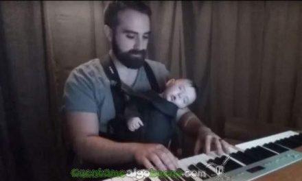 El infalible método de un pianista para dormir a su hijo