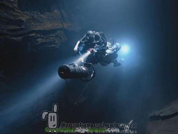 20160604-3-2-Diving-into-the-unknown-buceando-en-lo-desconocido