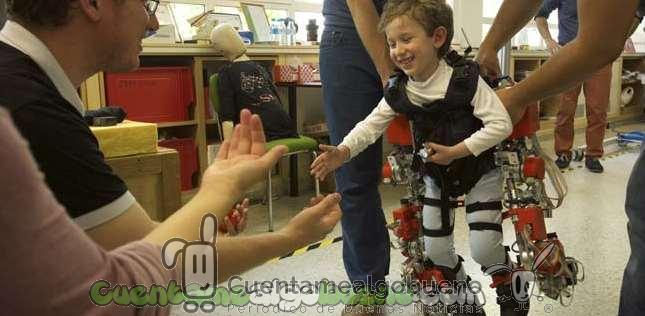 El primer exoesqueleto infantil