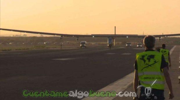 20160624-2-el-avion-solar-impulse-ii-aterriza-en-sevilla