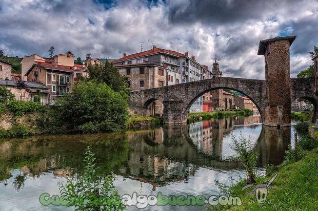Puente de La Muza de Balmaseda. Foto: Aventuphoto.