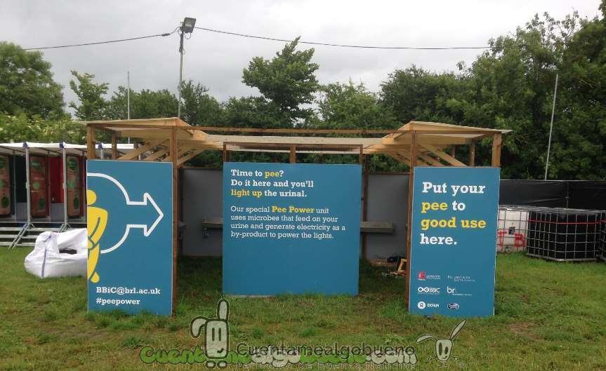 Inventan un urinario que genera electricidad con orina