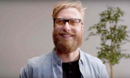 Unas gafas especiales protegen nuestros ojos del ordenador