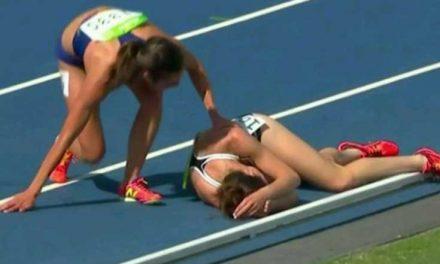 Chocaron durante la carrera de los 5000 metros y se ayudaron mutuamente para continuar