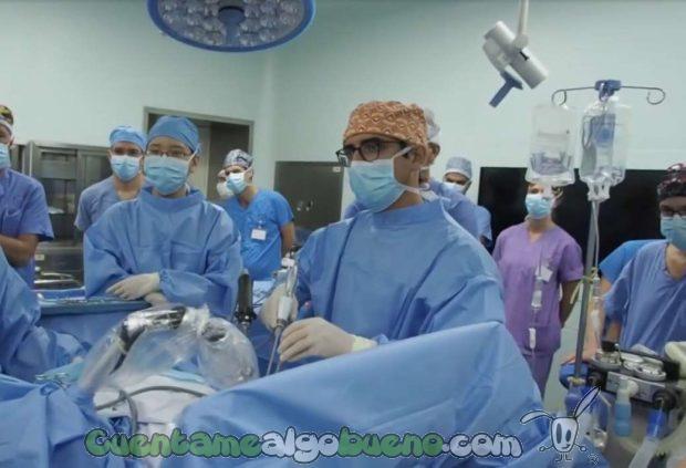 20161031-1-cirujano-extirpa-tumor-pulmones-diego-gonzalez-rivas-01
